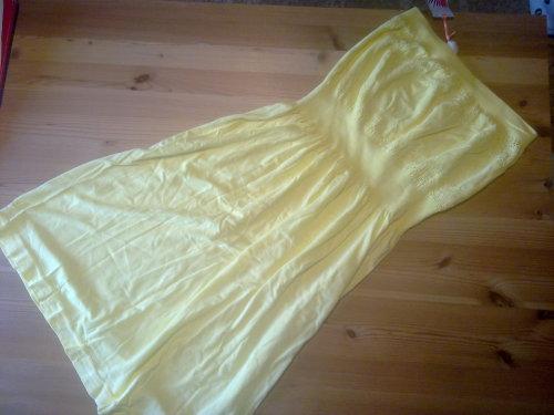 Primark geles Kleid