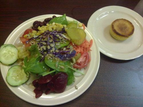 Salat & Maisküchlein