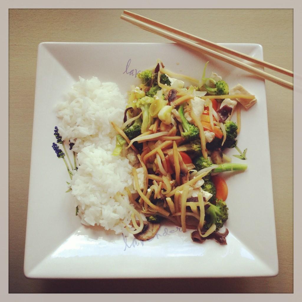 Chop Suey mit Tofu & Reis