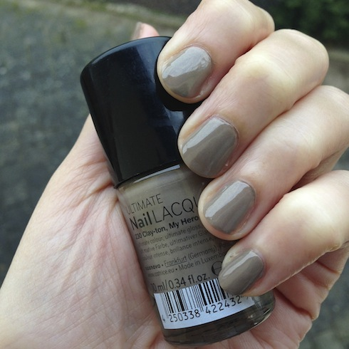 NOTD Clay-ton my hero Catrice