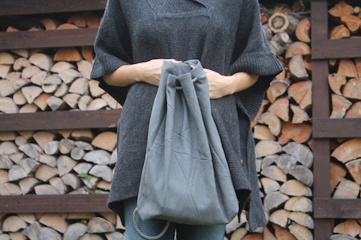 Outfit Poncho Rucksack