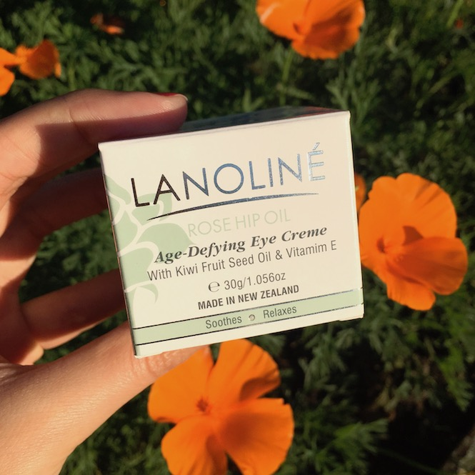 Lanoline Rose Hip Oil Eyecream